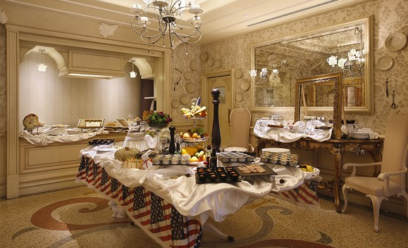 Sunday Brunch USA Chateau Monfort milano580