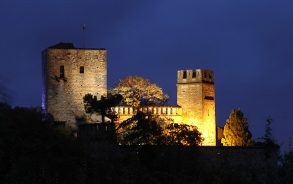 Castello-di-Gropparello-By-Night580