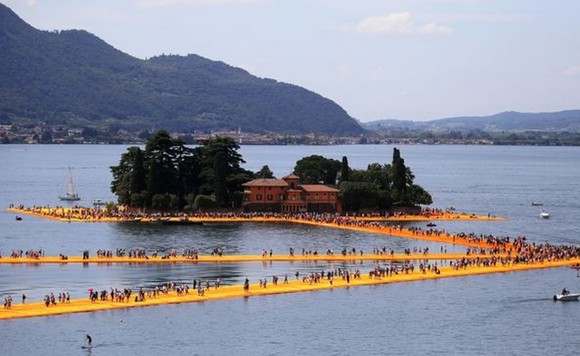 The Floating Piers580