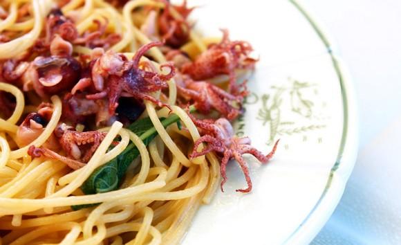 Dalle reti al piatto, la cucina di mare del Bagno Bruno di Forte dei ...