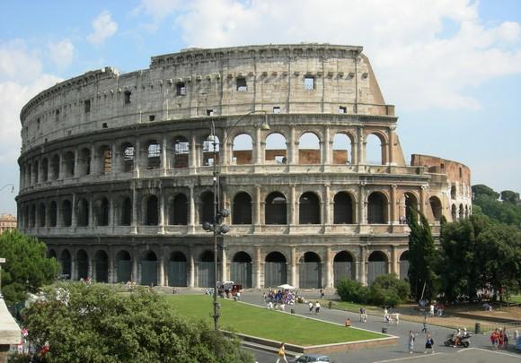 Chiamato dagli antichi romani, &;anphitheatrum flavlum&; (anfiteatro
